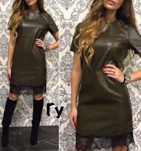 Кожаное платье футляр с кружевом новое М