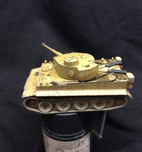 Модель танка Тигр 1/100