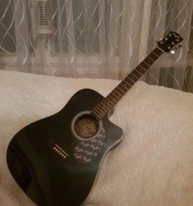 Новая шикарная гитара с чехлом