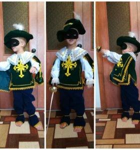 Костюм мушкетера, зелёный новогодний