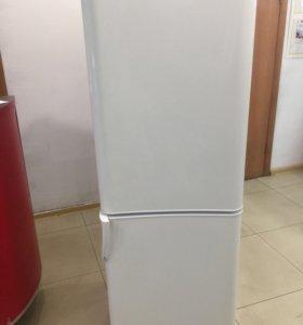 Холодильник indesit c132nfg