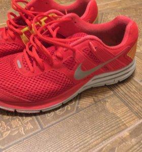 Кроссовки Nike 1490