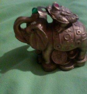 Лягушка на слоне