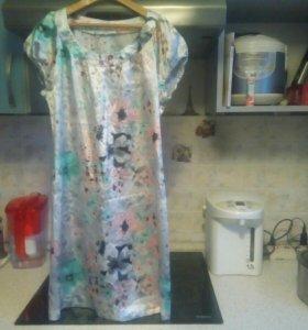 Красивое платье 42-44р