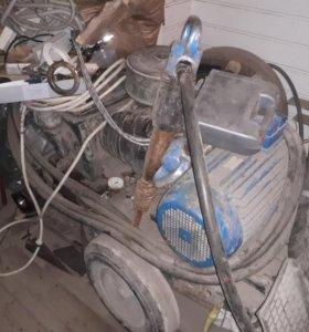 Финский компрессор хьюдор с двумя отбойными молотк
