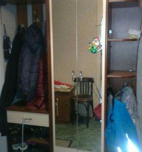 Шкаф в прихожую и 2 тумбочки