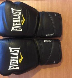 """Боксерские перчатки """"Everlast"""""""