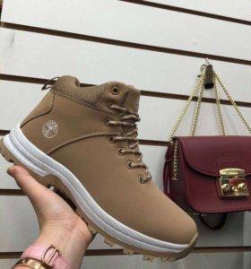 Новые зимние ботинки,р 43