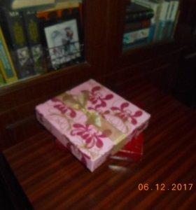 Подарочные упаковочные коробеи
