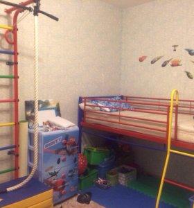Кровать и спортивный комплекс с матами(2шт)