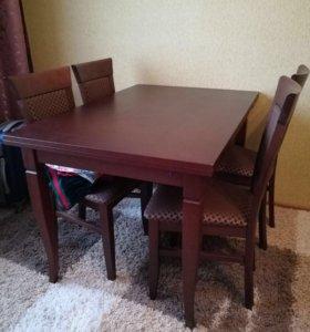 Деревянный стол и 4 стула