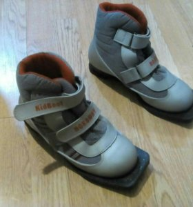 Лыжные ботинки 34