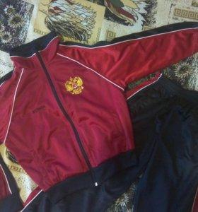 Спортивный костюм р-р 36