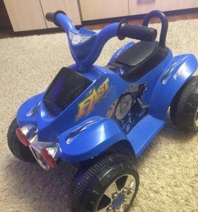 Детский квадроцикл на аккумуляторе.