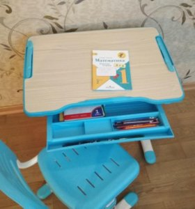 Парта и стул для школьника bambino