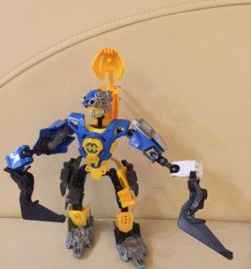 Робот бионикл