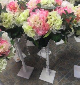 Аренда цветов для столиков на свадьбу