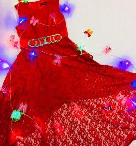 Платье, с небольшим шлейфом