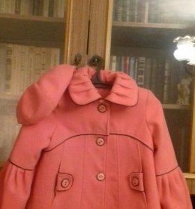 Пальто с беретом для девочки 36 размер