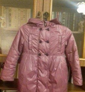 Пальто с капюшоном для девочки,рост128