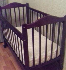 Детская кровать кроватка с матрасом