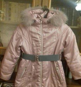 Пальто зимнее с капюшоном 128 рост