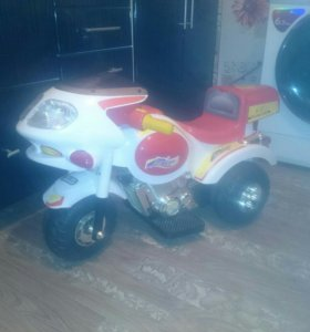 Детский трехколесный электромотоцикл