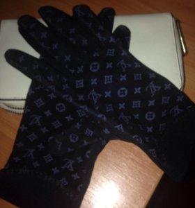 Перчатки женские, фирменые