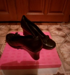 Туфли женские новые кожаные