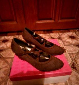 Продам туфли женские новые франция