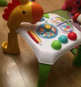 Развиваюший столик Фишер прайс