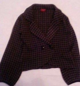 Пиджак шерстяной.