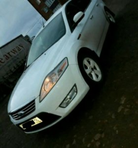 Ford Mondeo 2.0МТ, 2010, седан