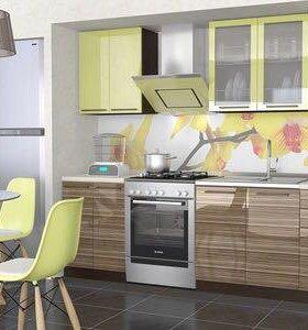Кухня новая со с доводчиками 1,8м.