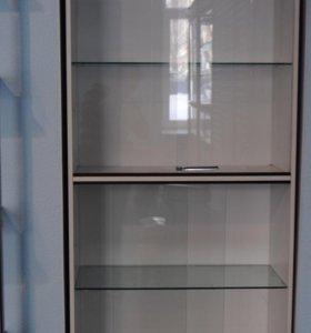 Витрина -шкаф