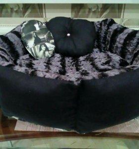 Красивая кроватка для вашего питомца