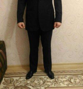 Костюм мужской Pierre Cardin