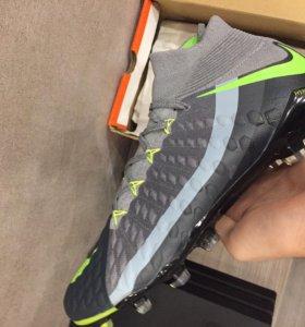 Футбольные бутсы Nike Hypervenom Phantom 3 SE FG