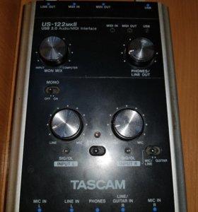 Внешняя звуковая карта Таскам US-122mkll и АКГ120.