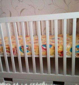 Детская кроватка+ бампера