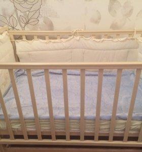 Детская кровать и матрас .