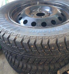 Шины (+диски) зимние Matador 185/65 R15