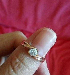 Золотое Кольцо с крупным брилиантом!!!