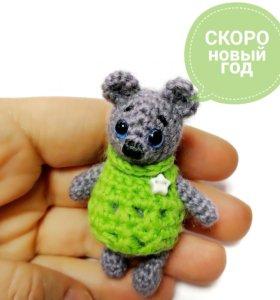 Мишка в свитере. Вязаная игрушка. Подарок.