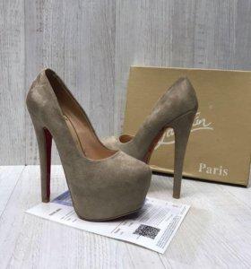 Туфли лабутен