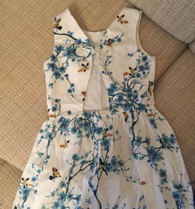 Платье Zara . 152