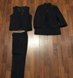Классический костюм-тройка на мальчика ростом 110