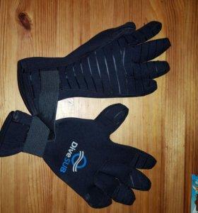 Перчатки дайверские новые