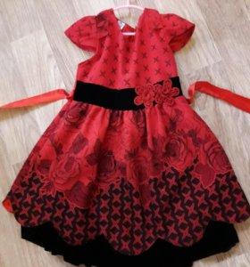 Нарядные тёплое платье для девочки