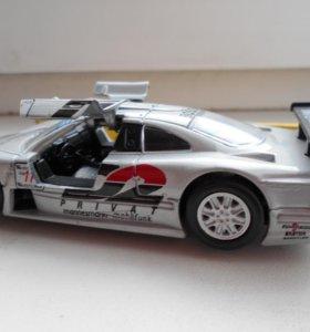 Модель автомобиля MERCEDES - BENZ CLK - GTR.